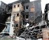 Au lendemain de l'incendie, la façade de cet édifice témoignait de la violence du brasier qui a ravagé deux bâtiments résidentiels.