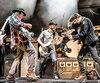 La formation Promise of the Real, constituée de Lukas Nelson, Anthony LoGerfo, Tato Melgar, Corey McCormick et Jesse Grey Siebenberg, accompagneront Neil Young, ce soir, lors de son premier spectacle à Québec.