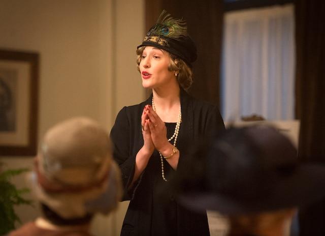 L'actrice Mylène Mackay incarne la féministe et politicienne Thérèse Casgrain.