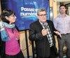 La directrice générale de Québec numérique, Martine Rioux est à côté du maire Régis Labeaume et de Pierre-Luc Lachance, conseiller municipal dans Saint-Roch-Saint-Sauveur.