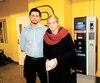Frédéric et Caroline Desjardins ont payé environ 500$ de stationnement depuis un mois pour visiter leur père hospitalisé au CHUM.