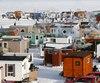 Chaque hiver, des centaines de maisonnettes colorées forment un village éphémère à Roberval.