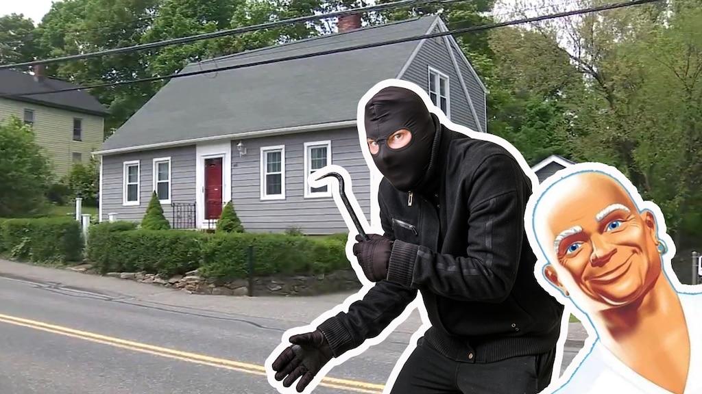 Un voleur entre par effraction dans une maison, ne vole rien et décide plutôt de faire le ménage