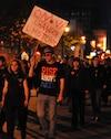 Les manifestants étaient peu nombreux hier soir à la 20e manifestation nocturne consécutive dans les rues de Montréal.