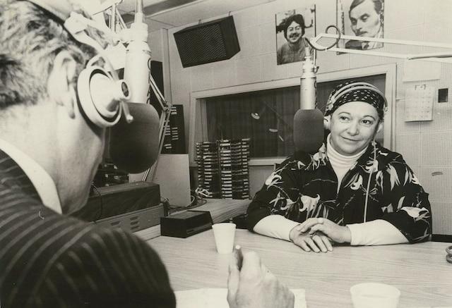 Lise Payette sur les ondes de CKAC. non datée PHOTO ALFRED LANCTOT / LES ARCHIVES / LE JOURNAL DE MONTREAL