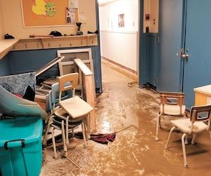 La CS de la Beauce-Etchemin trouvait insensé de réinvestir dans l'ancienne école inondée plusieurs fois et réclamait un milieu sain et sécuritaire pour les enfants.