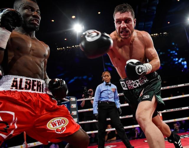 Le boxeur québécois Francis Lafrenière s'est incliné par décision majoritaire devant Albert Onolunose, jeudi soir au Casino de Montréal.