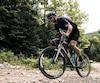 Un vélo de gravier vous permet de sortir de la ville pour visiter l'arrière-pays.