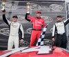 Louis-Philippe Dumoulin, Kevin Lacroix et Adam Andretti ont célébré sur le podium à Toronto dimanche dernier.