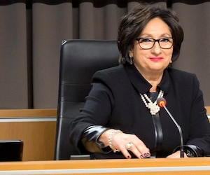 La commissaire France Charbonneau présentera son rapport ce matin, mais ne répondra à aucune question.
