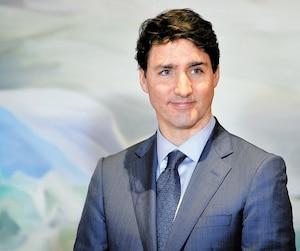 Le premier ministre Justin Trudeau nie l'ingérence de son bureau pour protéger une entreprise d'un procès criminel.