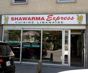 Le restaurant montréalais a écopé d'une amende de 2000 $ en mars pour avoir détenu du houmous maison insalubre.