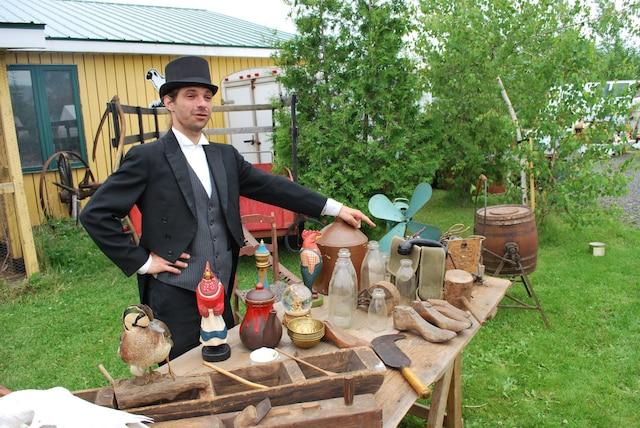 Foire d'antiquités à Mouton Village