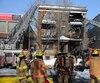 Les sapeurs sont intervenus sur le boulevard Saint-Laurent pour maîtriser un incendie causé par une explosion qui s'est produite alors que trois hommes tentaient de transformer des stupéfiants.
