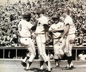 Mack Jones (9) a été l'un des premiers héros des Expos.