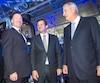 Alain Bellemare, président et chef de la direction de Bombardier, Pierre Beaudoin, président exécutif du conseil d'administration de Bombardier, et Laurent Beaudoin, président émérite du conseil, lors de l'assemblée annuelle des actionnaires de la compagnie en avril 2016.