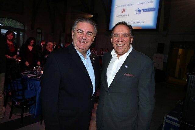 Deux membres importants de la CAQ étaient présents à la Soirée-bal pour l'Association des enfants handicapés. Jacques Duchesneau et François Legault ont fait acte de présence.