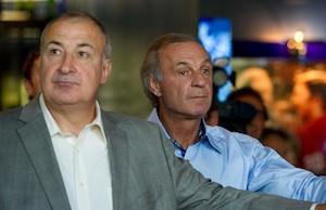 Guy Lapointe (à gauche) en compagnie de Guy Lafleur.
