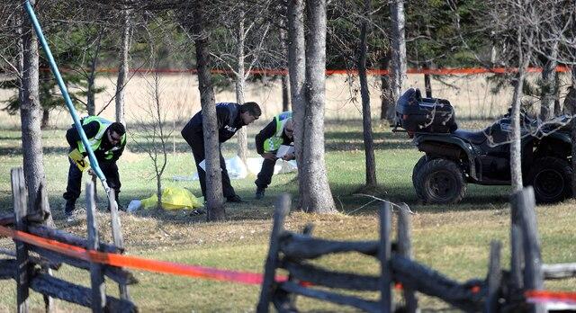 Un homme est abattu à St-Félicien par les policiers de la SQ dimanche le 6 Mai 2012 près de Quebec. Une enquête de la police de la ville de Quebec est en cours.SIMON CLARK/JOURNAL DE QUEBEC/AGENCE QMI