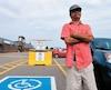Atteint de paralysie cérébrale, Patrice Imbeau s'est fait dérober sa vignette de stationnement pour handicapés la semaine dernière à l'extérieur d'un centre commercial de Saguenay.