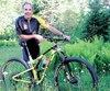 Résidant aux abords du mont Sainte-Anne, Pierre Harvey s'adonne au vélo de montagne depuis plusieurs années. C'est sur un vélo de route qu'il a cependant lancé sa carrière sportive avec sa victoire au Tour de l'Abitibi en 1975.