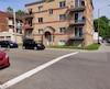 Une ligne jaune a été tracée au centre de la chaussée sur la 15e Rue, entre le boulevard Benoit-XV et la 3e Avenue, ce qui peut laisser croire aux automobilistes qu'on y circule dans les deux sens.