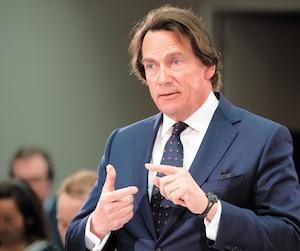 Le chef de la direction de Québecor, Pierre Karl Péladeau, a défendu la décision de TVA Sports devant le CRTC mercredi, à Gatineau.
