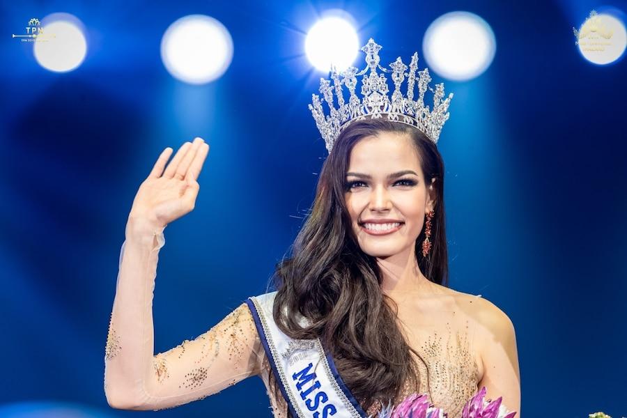 Image principale de l'article Une dénommée Drouin sacrée Miss Univers Thaïlande