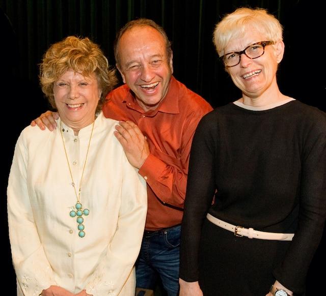 Le comédien, Marcel Leboeuf, a animé l'encan crié au grand plaisir  de la directrice artistique,  Denise Filiatrault  et de la directrice générale du Rideau Vert, Céline Marcotte.