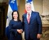 La mairesse de Montréal, Valérie Plante, avait reçu le premier ministre du Québec, Philippe Couillard, à l'Hôtel de ville, le jeudi 18 janvier 2018.
