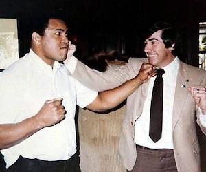 Muhammad Ali avec Jean-Paul Charlebois en 1983. Le célèbre boxeur est décédé vendredi.