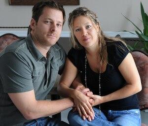 Ce couple de Pintendre, Geneviève Charron et Dany Fournier, a subi de longs délais il y a deux ans, à l'occasion de leurs démarches de fécondation in vitro à Québec.