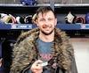 Joueur du match, Tomas Tatar a enfilé le manteau de fourrure de la victoire fourni par son capitaine Shea Weber en montrant la rondelle de son premier but avec le CH.