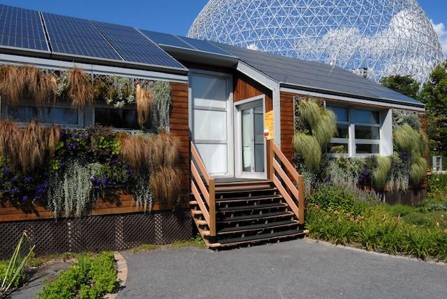 La fameuse Maison solaire écoologique de la Biosphère.