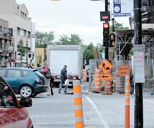 400 chantiers sont prévus à Montréal cet été, dont celui-ci au coin des rues Jarry et Saint-Denis, qui durera plus d'un an.