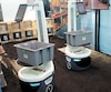 La société Locus Robotics met en vedette des robots qui peuvent aller cueillir les produits en entrepôt pour les transporter à l'emballage avant la livraison.
