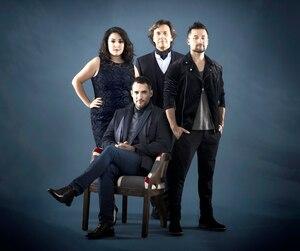 Renee Wilkin, Pascal Dufour, Jérôme Couture et Yvan Pedneaut font revivre l'invasion britannique en chanson avec <i>Britishow</i>.
