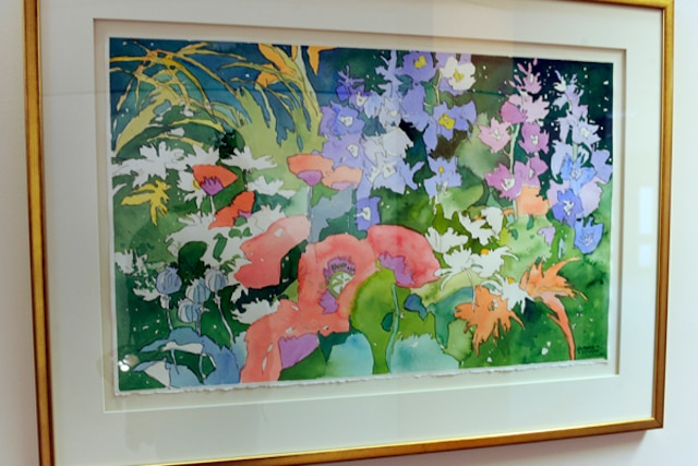 La valeur des tableaux ornant les murs de lancien hôtel de ville de Sainte-Foy totalise environ 100 000$. Sur cette photo, une oeuvre de Claude A. Simard, de la série Garden Party.