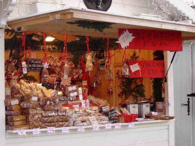 Le marché de Noël des Champs-Élysées regroupe 160 chalets.