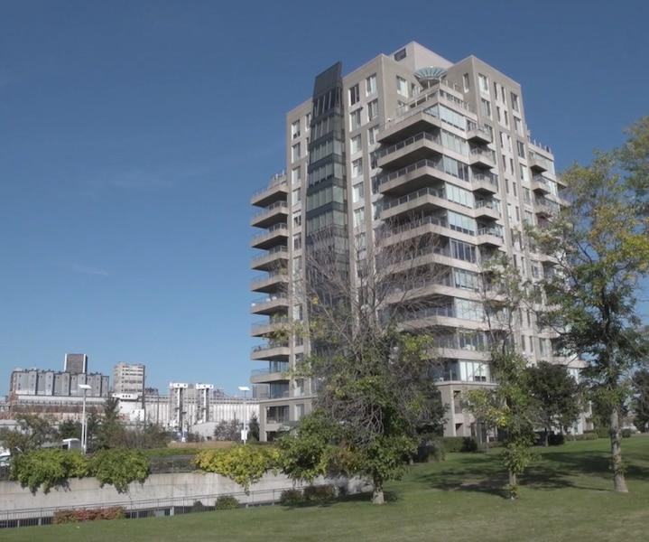 [VIDÉO] Un incroyable penthouse niché aux abords d'Habitat 67