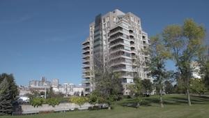 Incroyable penthouse niché aux abords d'Habitat 67