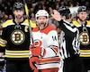 Justin Williams et les Hurricanes ont fait preuve d'indiscipline contre les Bruins, hier.