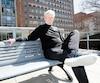 Réjean Desjardins, 73 ans, a évité de peu l'amputation de sa jambe gauche après qu'une balle eut fait éclater sa cheville dans un accident de chasse en octobre 2017. Les médecins à l'Hôpitalgénéral de Montréal ont réussi l'exploit en faisant repousser 7cm d'os dans sa jambe, ce qui lui permet aujourd'hui de marcher presque comme avant.