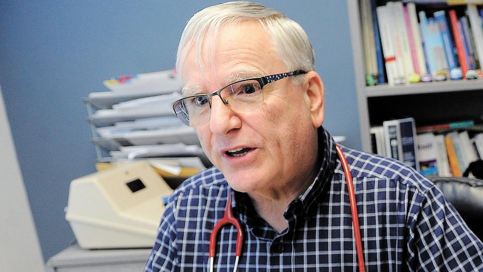 Le Dr Guy Falardeau, photographié hier à son bureau de Québec, est pédiatre depuis 43ans. Environ 90% de ses patients sont des enfants qui ont reçu des diagnostics de TDAH.