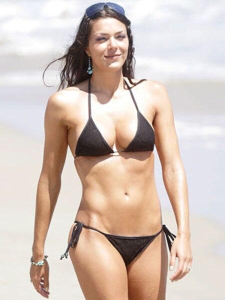 C'est en janvier 2008 que l'actrice du feuilleton Top Model, Adrianne Curry, a dit oui à Hugh Hefner.