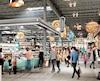 Le nouveau marché alimentaire des Promenades Saint-Bruno coûtera 67,5M$ à son propriétaire, Cadillac Fairview. Il regroupera des «producteurs artisanaux et spécialisés» (boucherie, fromagerie, pâtes), des restaurants, une terrasse et un espace extérieur conçu pour accueillir des agriculteurs.