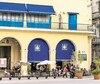 Le Café El Escorial, situé sur la Plaza Vieja, à La Havane