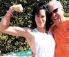 La comédienne Myriam Côté et l'homme qu'elle a sauvé de la noyade, Lucien Blais, sur la plage du VH Gran Ventana Beach Resort de Puerto Plata, en République dominicaine.