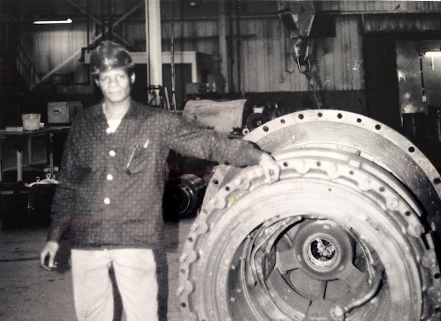 En 1962, le jeune immigrant haïtien René Coicou a été engagé comme mécanicien par la compagnie minière Québec Cartier, à Gagnon, une ville de la Côte-Nord.