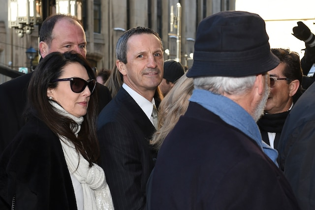 Guy Carbonneau lors de l'entrée des invités aux funérailles de René Angelil, célébrées ce vendredi après-midi 22 janvier 2016, à la Basilique Notre-Dame, à Montréal.